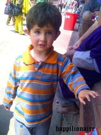 Anak Kashmir kayak bule :D